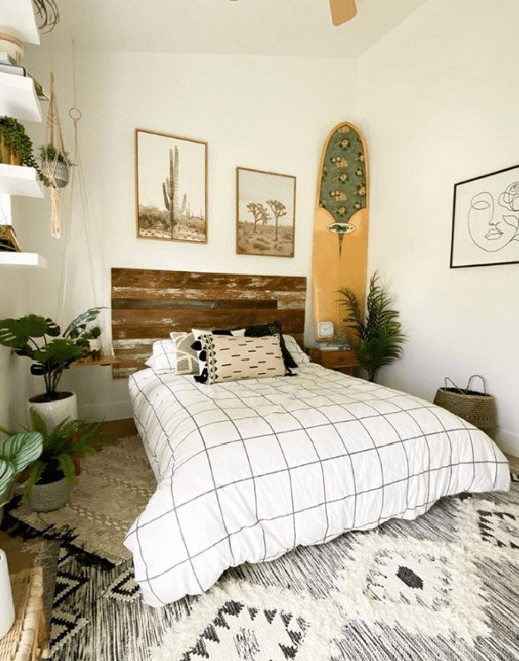 Julie Dillon-Ampersand Living-Surfers Bedroom